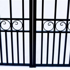 London Style Dual Swing Steel Driveway Gate Image 5