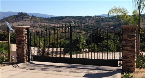 Venice Style Dual Swing Steel Driveway Gate Image 7