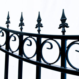Moscow Style Dual Swing Steel Driveway Gate Image 5