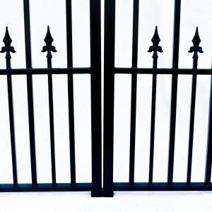 St Petersberg Style Dual Swing Steel Driveway Gate Image 6